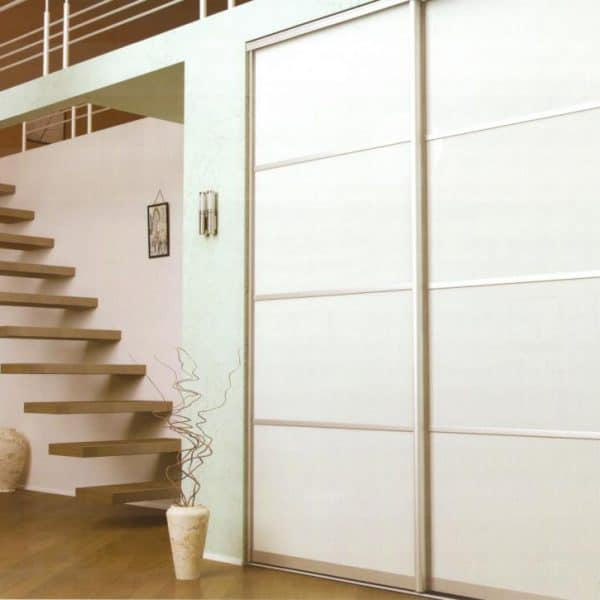 Made to measure Fitted Sliding Door hallway Wardrobe