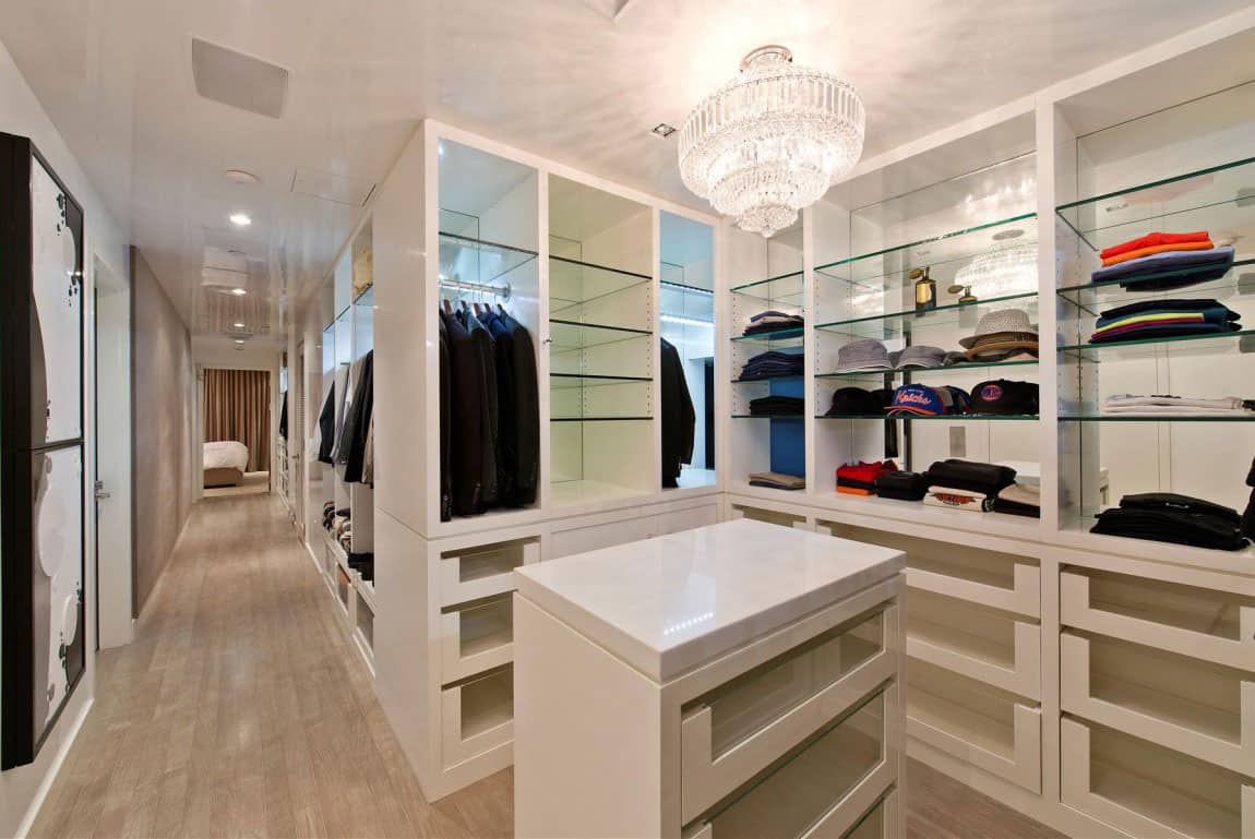 Gallery for Big closet stories