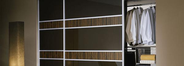 Custom-made fitted sliding door wardrobe in West London