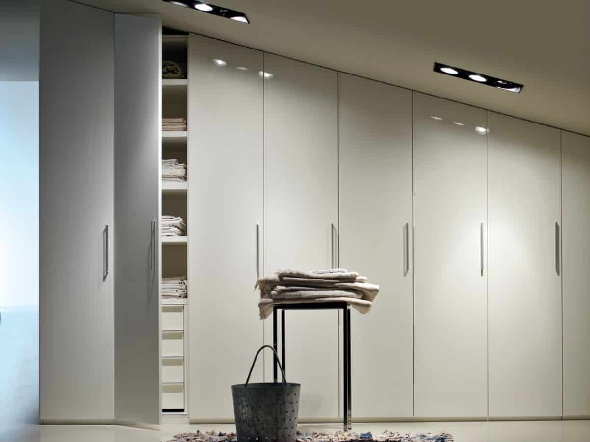 high gloss painted wardrobes iwardrobes. Black Bedroom Furniture Sets. Home Design Ideas
