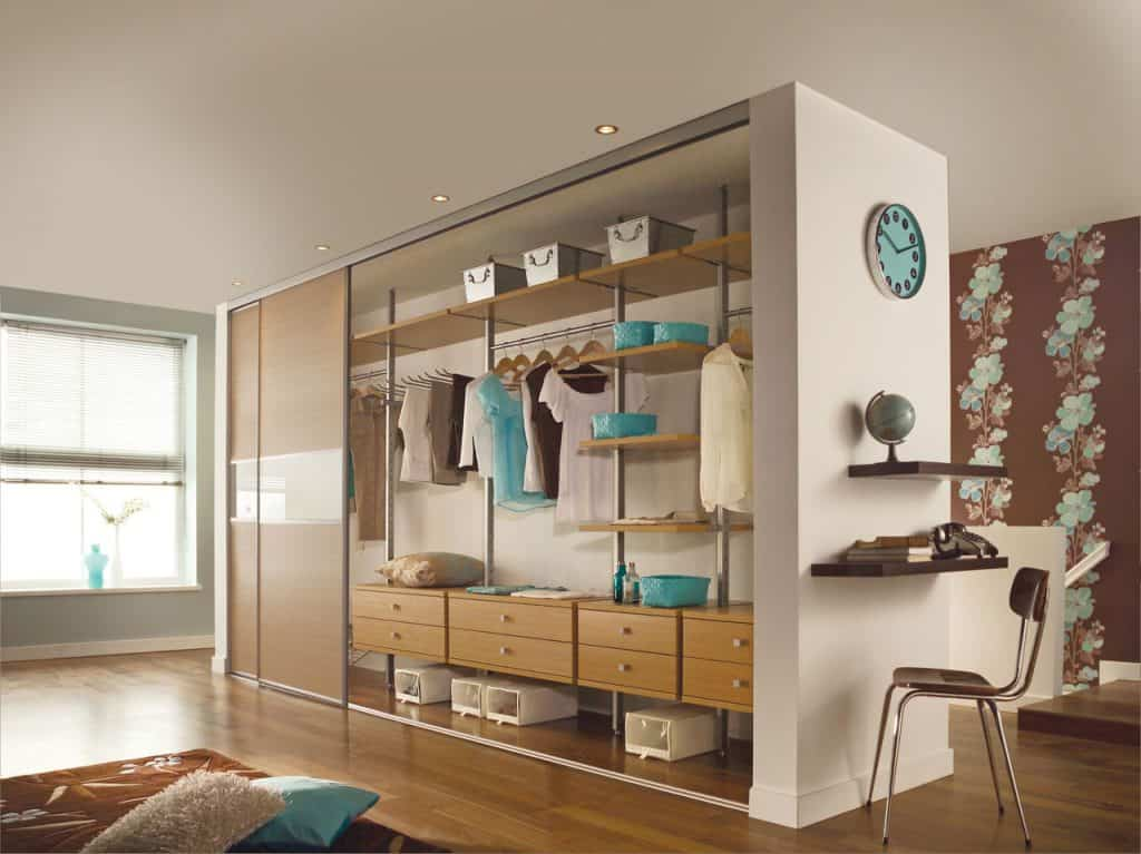 Made to measure sliding door bedroom wardrobe