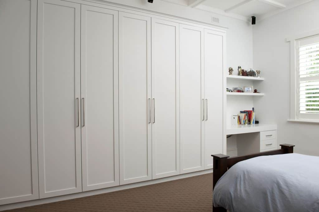 Bespoke fitted classic wardrobe in London