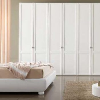 Bespoke classic fitted hinged door closet