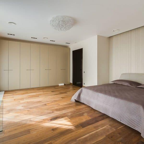 Made to measure modern hinged door fitted bedroom wardrobe