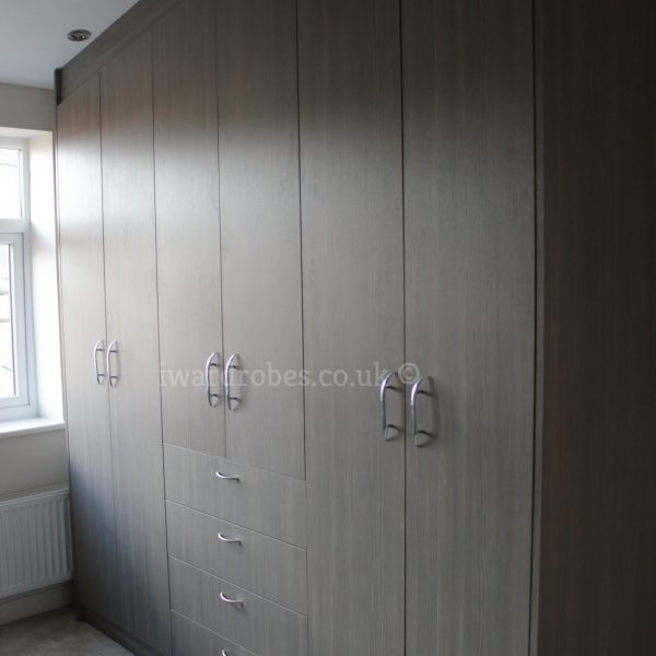 Modern_hinged_door_wardrobe_London
