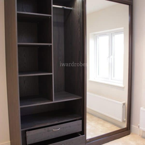 Made to measure mirror wardrobe