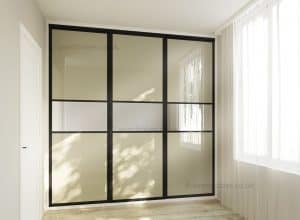 Fitted mirror sliding door wardrobe