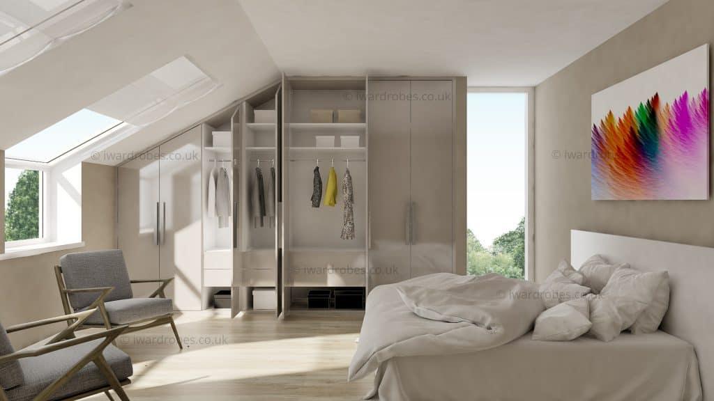Made-to-mesure high gloss wardrobe for loft bedroom