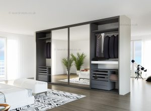 Made-to-measure mirror wardrobe with sliding doors