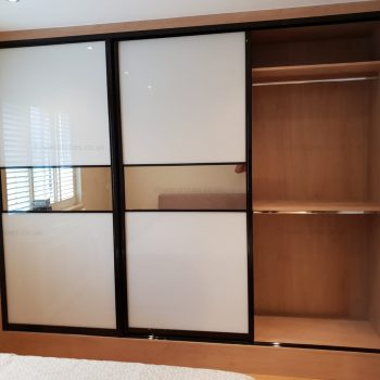 Custom made mirror sliding door wardrobe