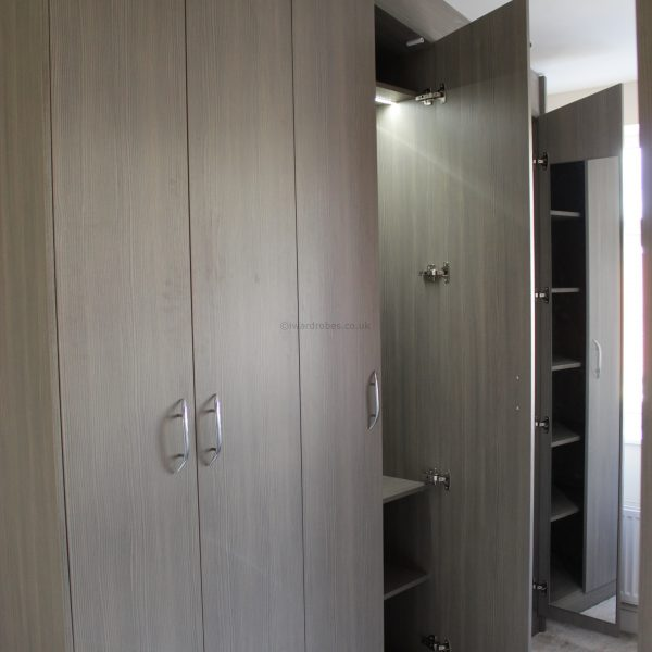 Built-in hinged door modern wardrobe