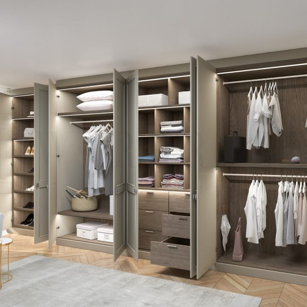 fitted traditional wardrobe in London
